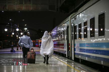 بهرهبرداری از قطارهای پنج ستاره نورالرضا با حضور سرپرست شرکت راهآهن