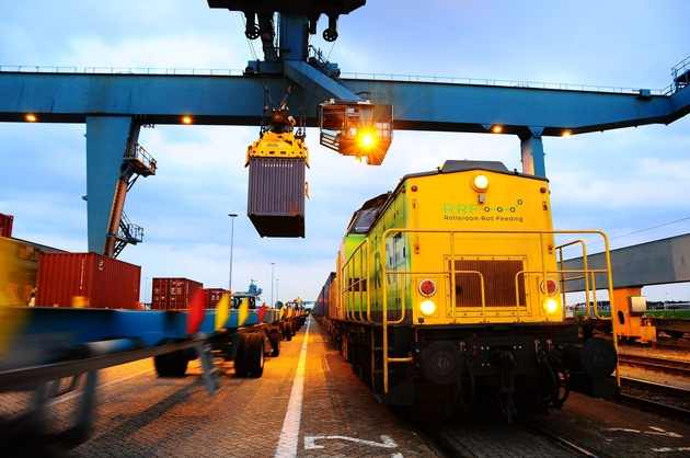China train arrives in port of Rotterdam